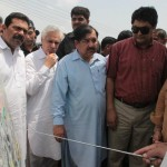 Shahbaz-Sharif-visits-Multan-on-7-8-2012-MDA-officers